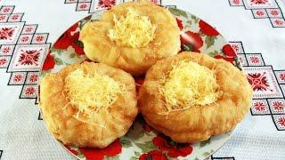 lángos Лангош вкуснейшая лепешка из дрожжевого теста с чесночным соусом и сыром Венгерская кухня