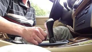 Comment enlever le pommeau de levier de vitesses sur BMW E90
