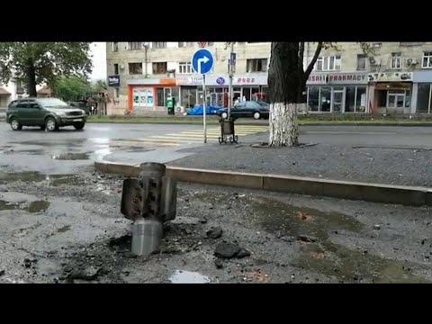 В Нагорном Карабахе продолжаются обстрелы.