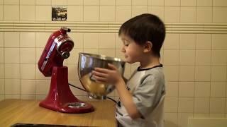 Безе (рецепт) - Готовим с Борисом(Готовить? - Легко! Смотри, как это делает Борис! Самый простой и любимый десерт из детства - безе! Быстрый..., 2013-01-21T16:01:04.000Z)
