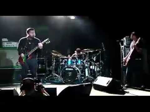 Deftones - Royal and CMND_CTRL (LIVE from Dallas 5.4.2010).avi
