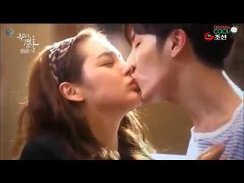 #video ciuman terpanas