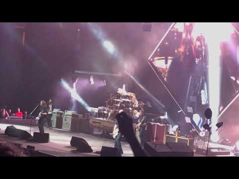 "Foo Fighters - ""Paranoid, AOBtD, Jump, Blitzkreig Bop Covers"" - Legacy Arena Birmingham, AL 10/26/17"
