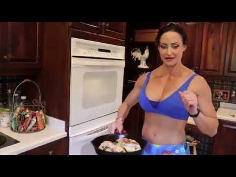 Healthy Stuffed Chicken Florentine - eat like a bodybuilder