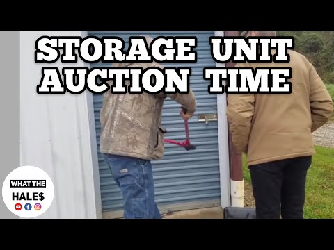 Opening A $15 Real Life Storage Wars Units Auction With Mystery Boxes / Storage Hunters 10-27-18