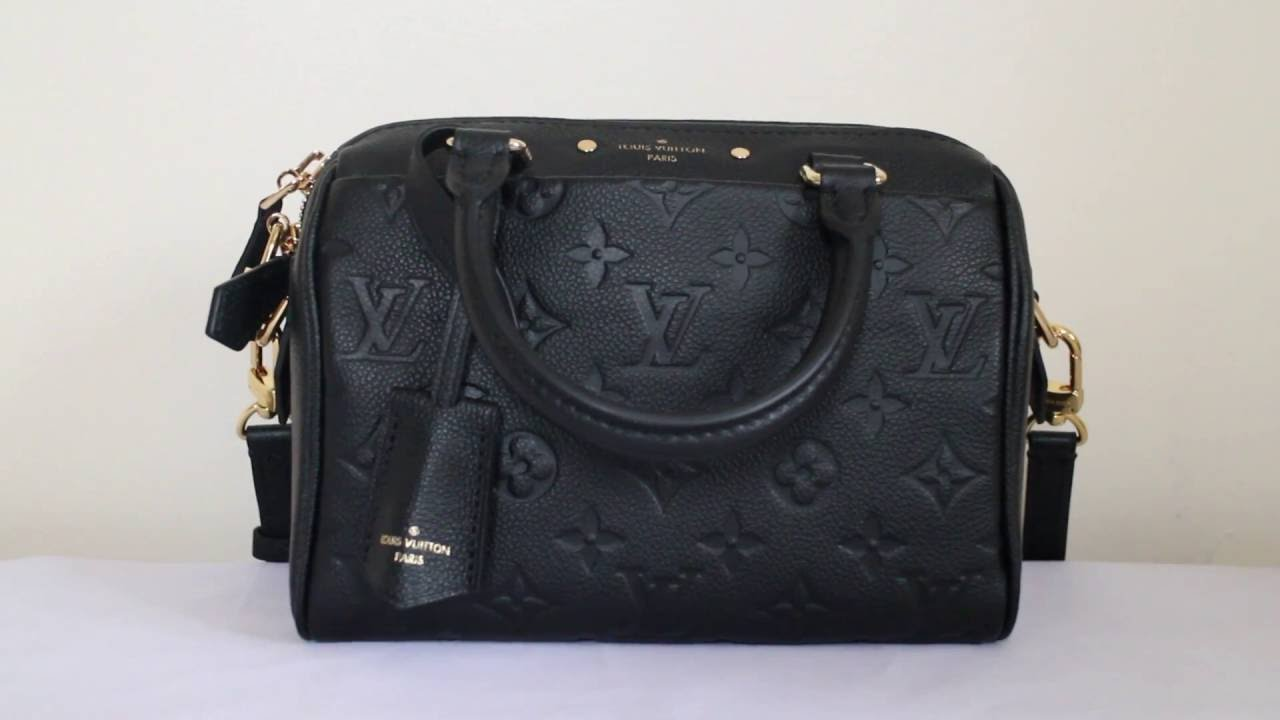 Louis Vuitton Speedy Bandouliere 20 Noir Empriente Leather - What fits  inside & Mod Shots