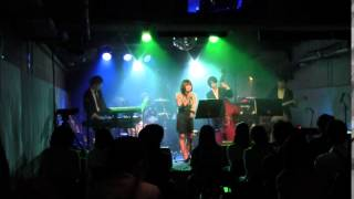 2013/5/9@hilsパン工場 で行われた5SliderのLIVEの様子です。 曲はオリ...