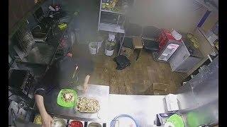 В Нижнекамске хозяин кафе обвиняет работников в воровстве и не платит им зарплату