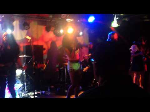 The Go! Team - Apollo Throwdown - Live @Sound Control - Manchester - 21 June 2015