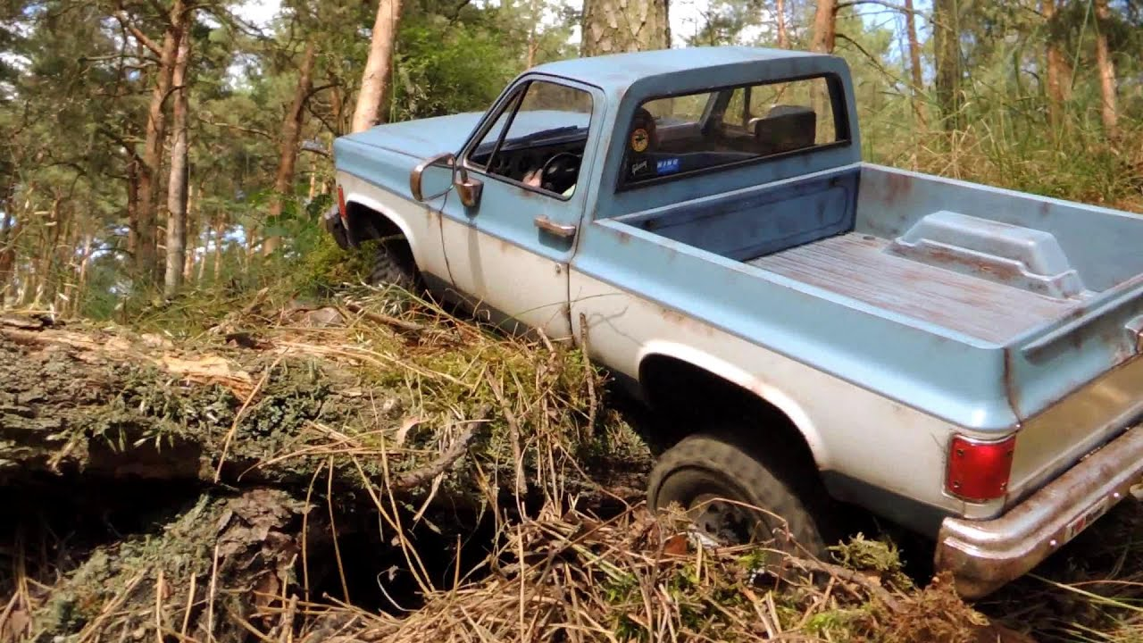 Chevy Blazer 4x4 >> RC4WD Chevy Blazer - pickup conversion, crawling in the woods. - YouTube