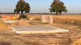 Widok budowy domku parterowego 28 października 2014