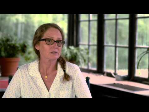 """The Equalizer: Melissa Leo """"Susan Plummer"""" Behind the Scenes Movie Interview"""