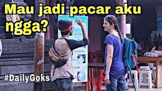 Download Video PRANK NGAJAKIN BULE PACARAN DI BALI GOKIL  -Prank Indonesia | OCADGOKS #1 MP3 3GP MP4