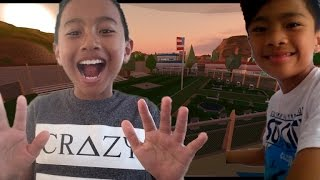 Roblox with my cousin!!