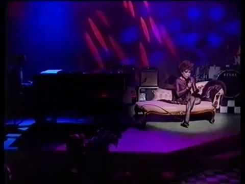 Eartha Kitt - Just An Old Fashioned Girl - live on Jools Holland 1991