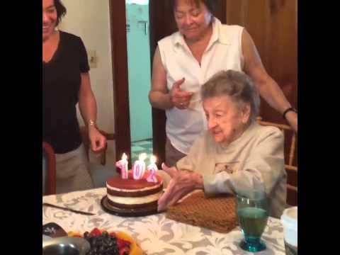 A la abuela le gusta que la toquen - 1 4