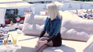 Юлия Войс в программе Weekend Show