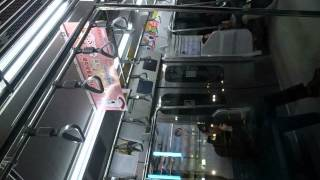 夜中の山手線 車内 Yamanote Line Late Night Reflections 150225