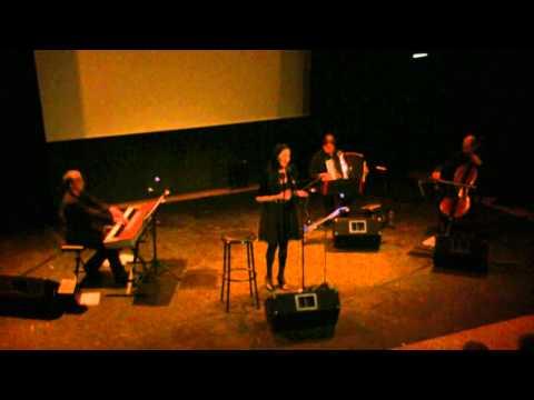 Natasha Bezriche chante L'affiche rouge (Aragon, Ferré) (4'09)