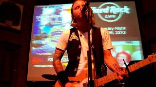 Zach Myers singing Hallelujah The Fairwell show at the Hard Rock Cafe in Memphis, TN