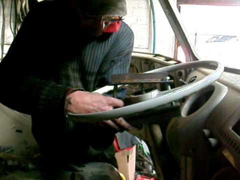 vw splitscreen van steering wheel removal mov - YouTube