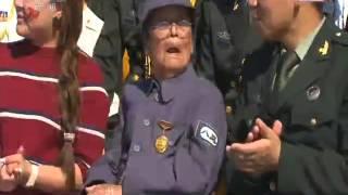 胡锦涛生病了吗?视频在01:26秒时 看锦涛同志的左手 。