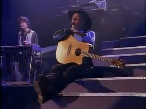 Garth Brooks - What She's Doing Now (Live)