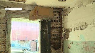 Жители аварийного дома в Якутске возмущены постоянным переносом срока переселения