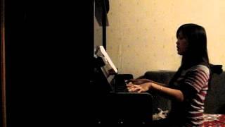 Bài đệm đàn đầu tay của vợ năm 2009