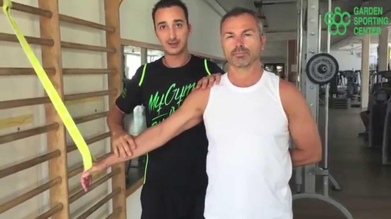 Rieducazione per la spalla - Gli esercizi base per curare..