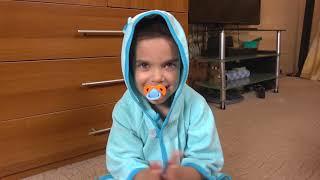 Андрей хочет играть и не делиться игрушками с маленьким братом