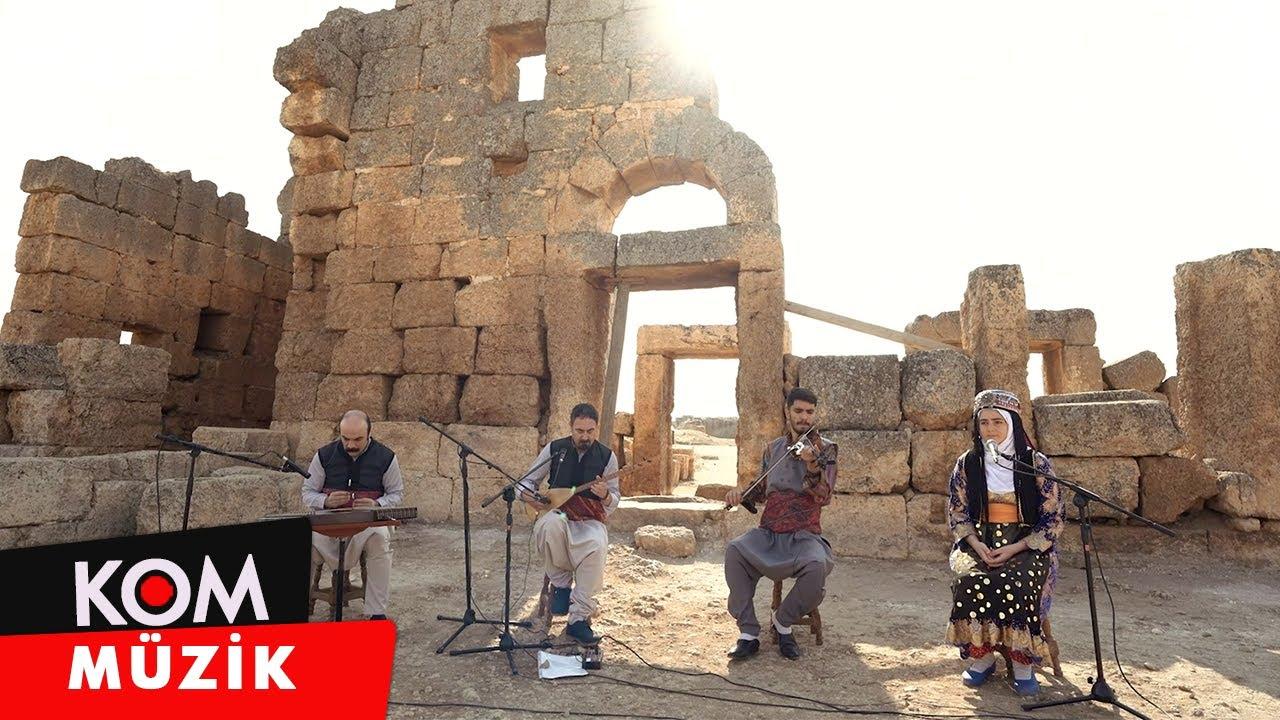 Mikaîl Aslan, Evîndar Dulek - Seyranî Me (2020 © Kom Müzik)
