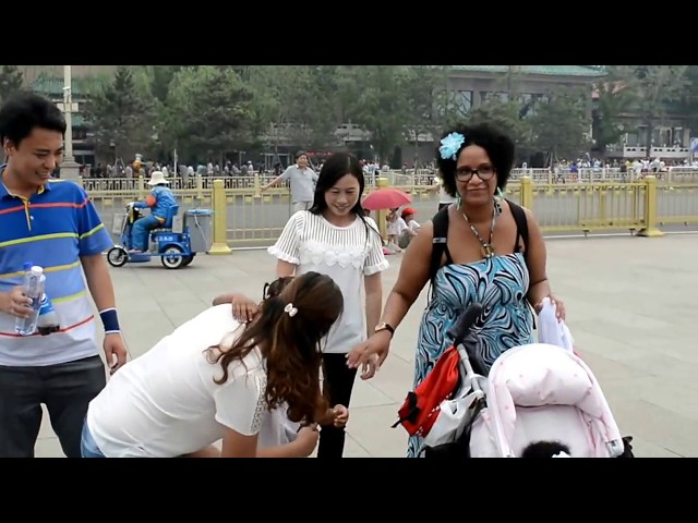 Vlog - Black Princess in China ... Look at the reaction of Chinese people
