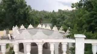 видео Гостиная в коттедже с камином в поселке Калина Красная