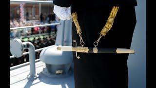 Почему моряки носят именно кортики