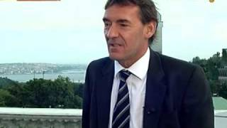 Goldman's O'Neill Says IMF Stuck in Outdated Mentality: Video