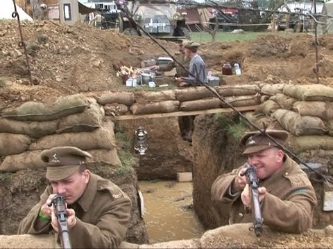 THE QUEEN'S OWN LIVING HISTORY GROUP. AT THE WAR & PEACE SHOW