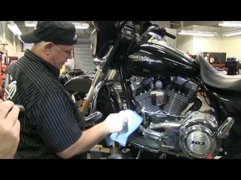 tech tip ted tuesday: changing engine oil harley davidson - youtube