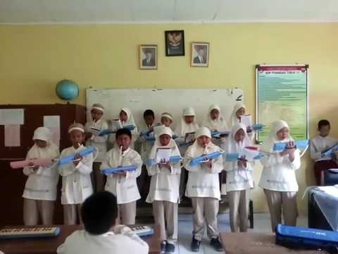 Lagu ayah not pianika dan menyanyi  SDN PIS TIM1.3 Kelas 5B