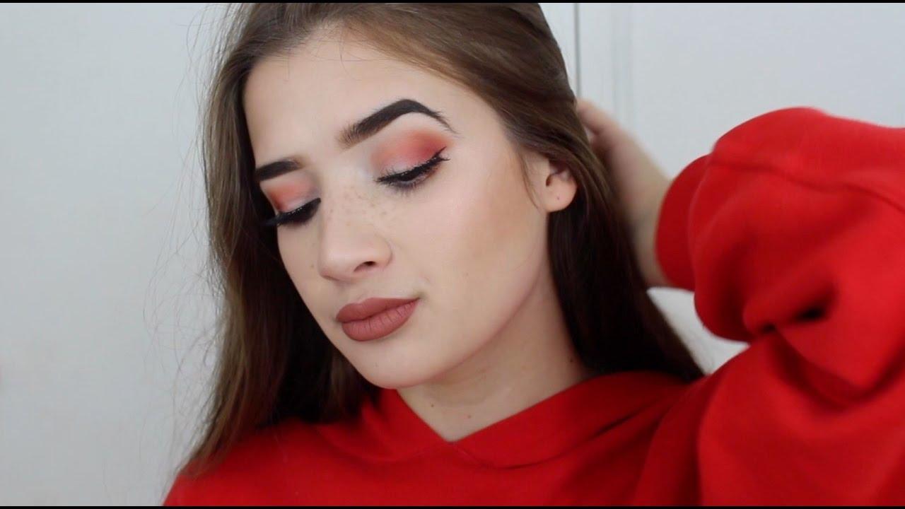 Maquillage rouge/orangé très simple