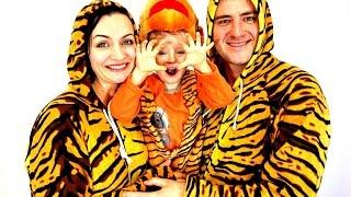 Маленький тигренок и тигрята папа и мама! Видео про тигров для детей. Домашний зоопарк.(Маленький тигренок Гриша и тигрята папа и мама! Смотрите видео про тигров для детей :) Наш домашний зоопарк..., 2017-01-18T14:45:03.000Z)