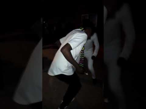 Quand On Danse Posa De Fally...  Y Compris école
