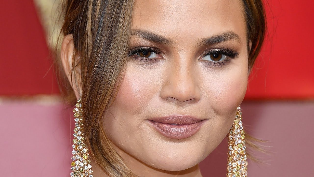 Download 6 Celebs Who Were Apparently Too Ugly For Hollywood