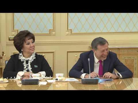 Назарбаев рассказал, как понравиться женщине