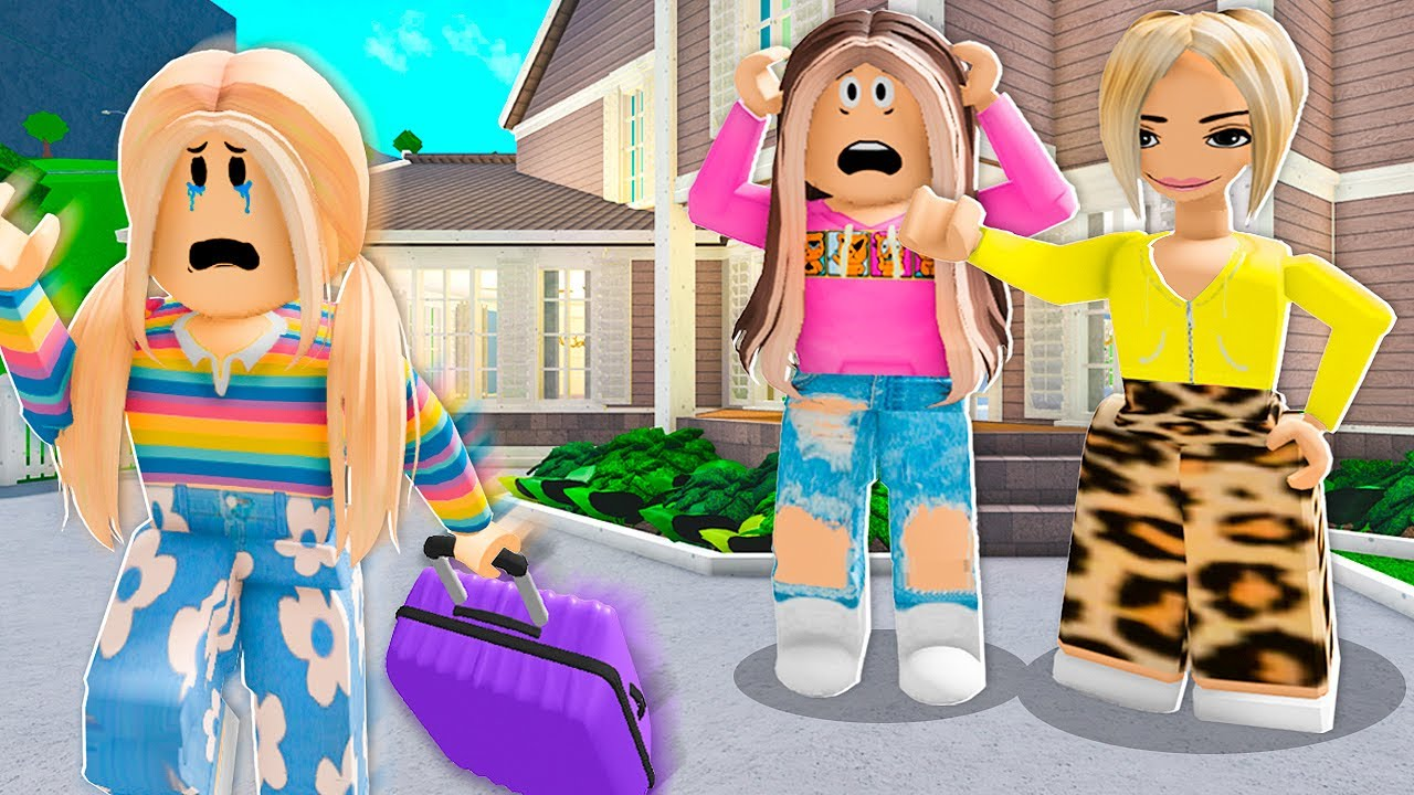 Download KAREN Kicked Her DAUGHTER Out! (Roblox)