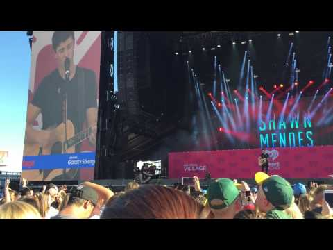 Shawn Mendes - Act Like You Love Me (LIVE)