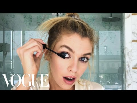 Stella Maxwell's Perfect Smoky Eye Trick | Beauty Secrets | Vogue thumbnail
