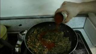 Stuffed Green Bell Peppers Recipe : Adding Tomato Sauce To Stuffed Green Peppers