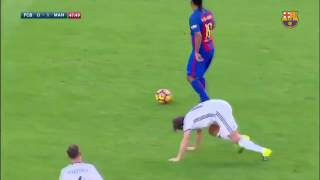 Ronaldinho Incredible Skill In Barcelona Vs Manchester United Legends