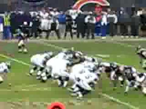 Lance Briggs drops Shaun Alexander on 4th and 1